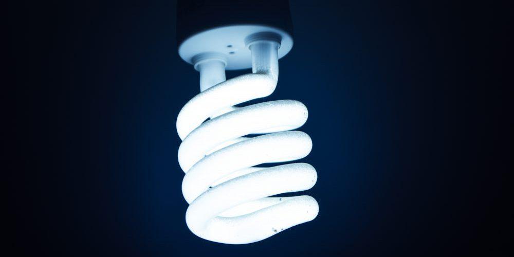 Boas práticas para economizar energia na sua empresa